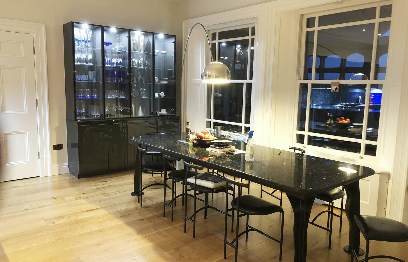 Glass kitchen units